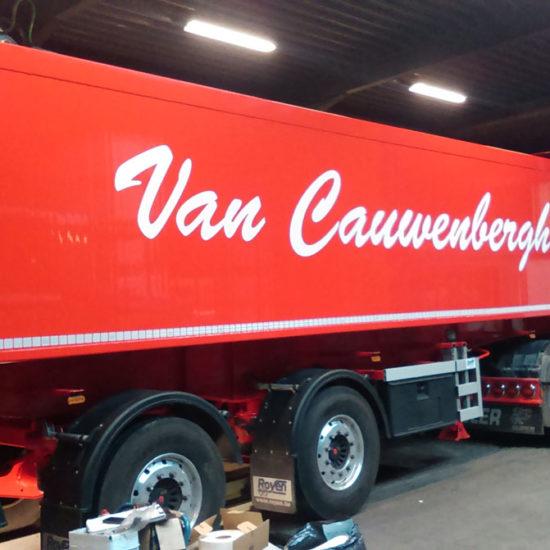 Lettrage d'un camion pour Van Cauwenbergh - Grafipix