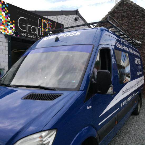 Lettrage d'une camionnette pour GM Pose - Grafipix