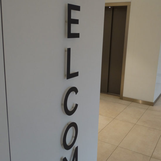 Placement de lettres en relief - Grafipix