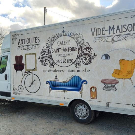 Pose d'un full Covering sur un camion pour Galerie Saint Antoine - Grafipix, votre partenaire en communication visuelle