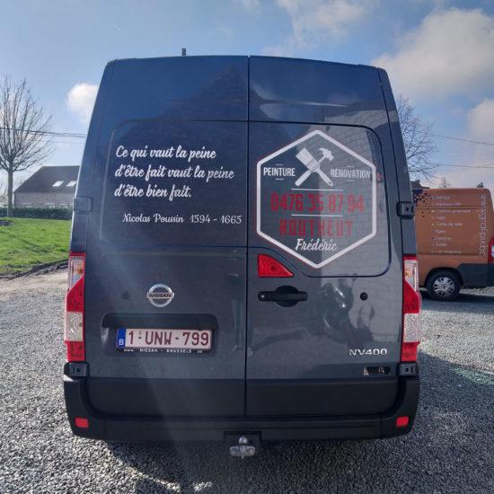 Lettrage de la camionnette de Frédéric Routheut, peintre et décorateur d'intérieur - Grafipix, votre partenaire en communication visuelle